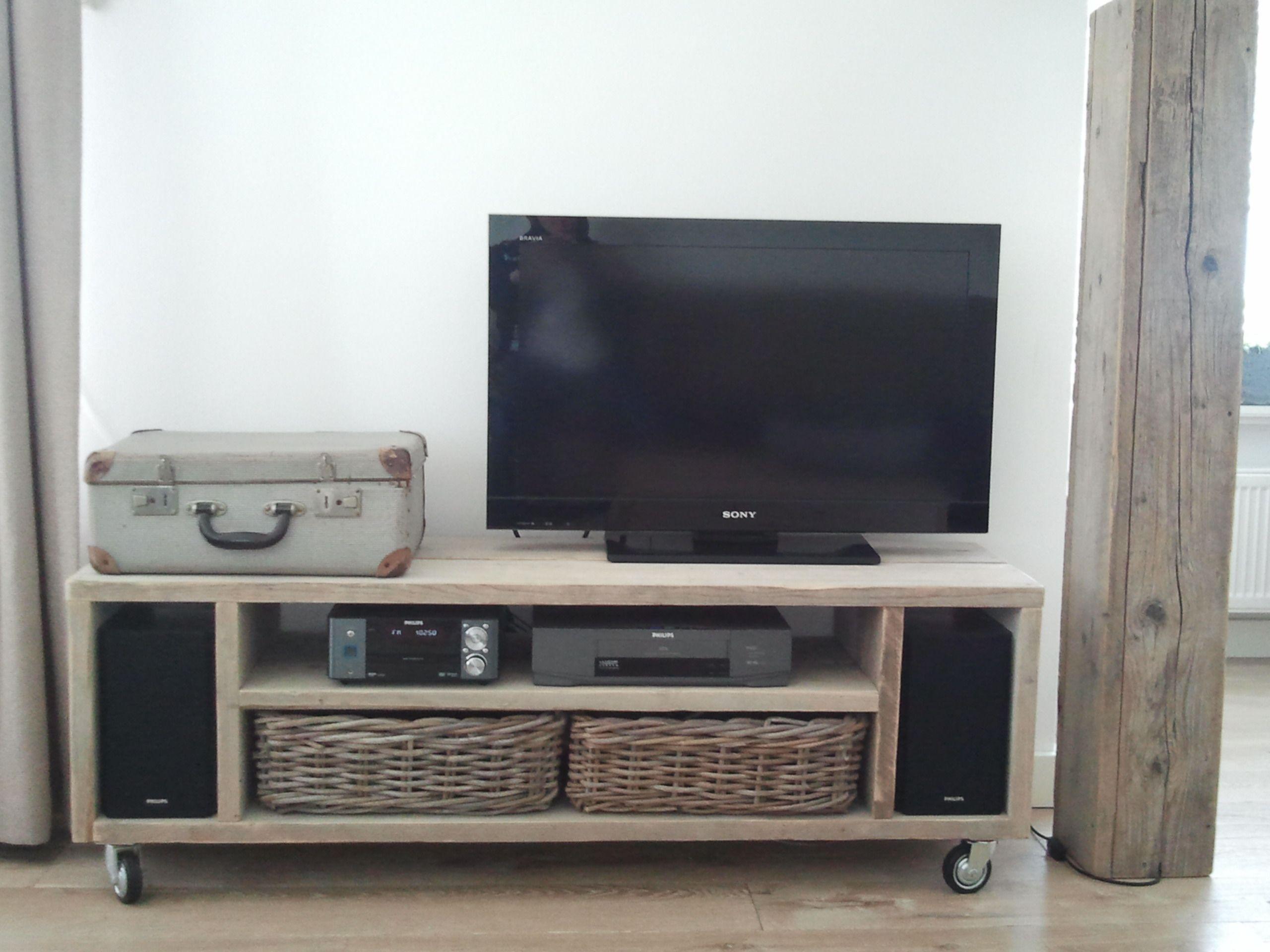 Tv Kast Nl : Tv kast op wielen van steigerhout natuurlijk steigerhoutholland
