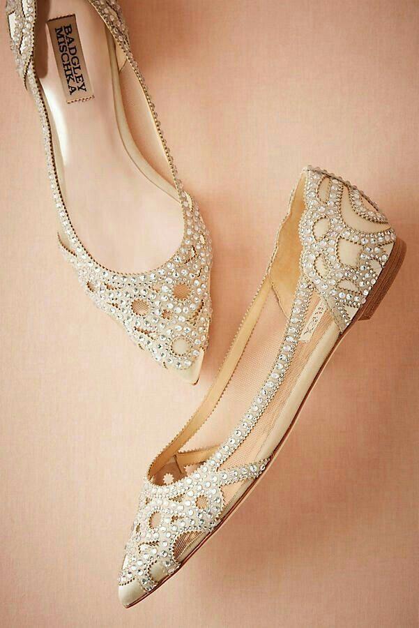 5e64ae9c133 Sapatos e sapatilhas de noiva confortáveis - para casamentos ao ar livre