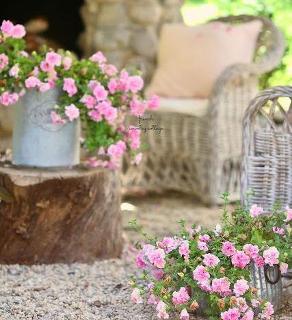 Brilliant French Country Garden Decor Ideas 6  French country