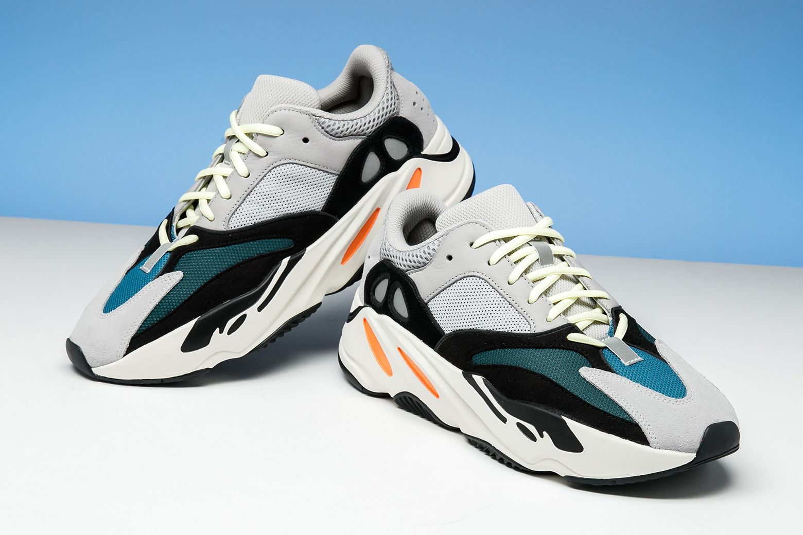 separation shoes 43d3b 94a6f Adidas Yeezy Boost 700