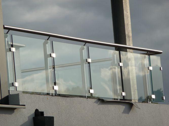 Front railing design of house | ເຫຼັກ | Pinterest | Railing ...