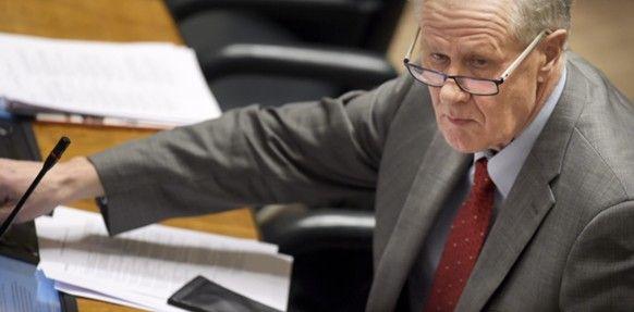 LKS 20150121 Keskustan kansanedustaja Seppo Kääriäinen täysistunnossa 21. tammikuuta 2015. LEHTIKUVA / VESA MOILANEN