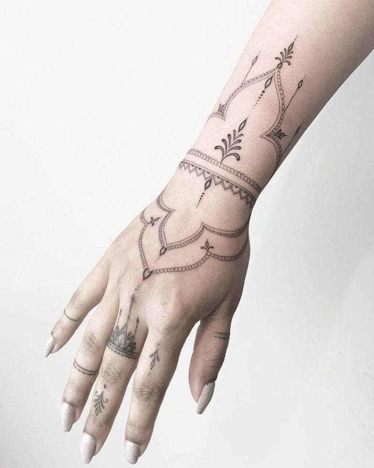 Henna-like decorative tattoo (fingers healed – hand and arm fresh). – Tattoos – #arm #finger #fresh #healed #hand