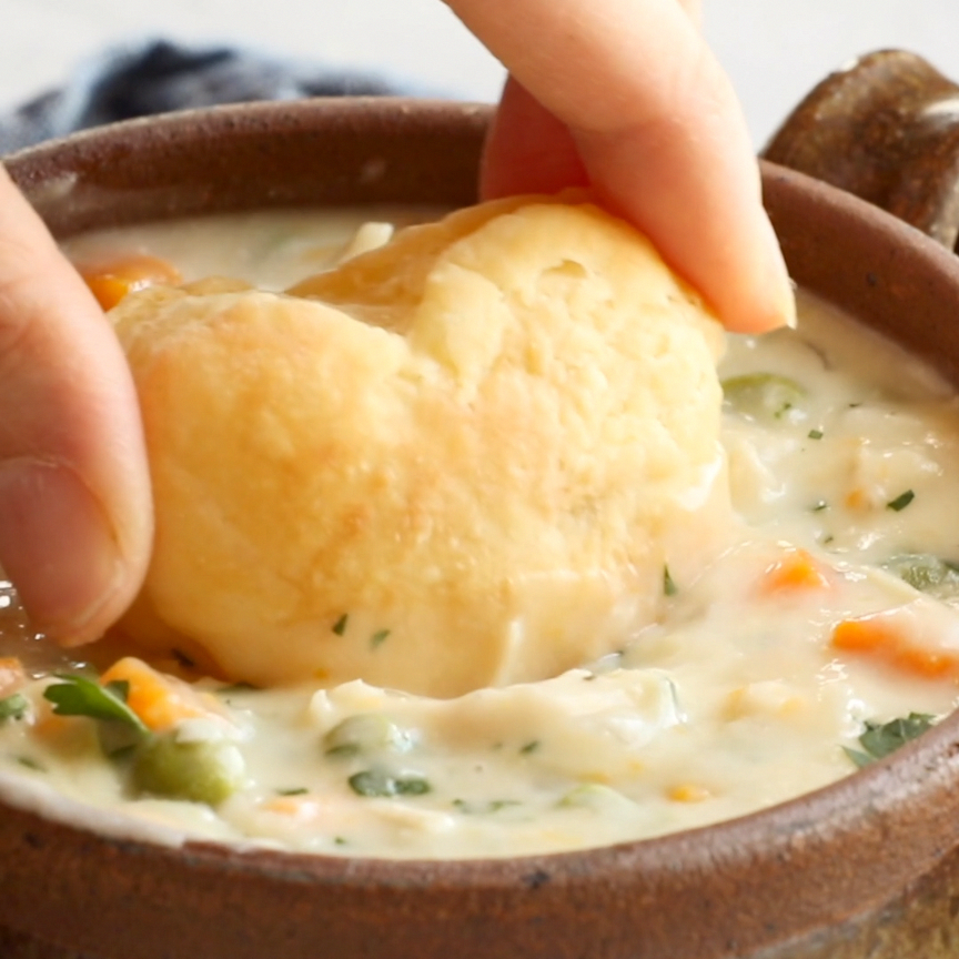 Slow Cooker Chicken Pot Pie Soup - Pinch of Yum