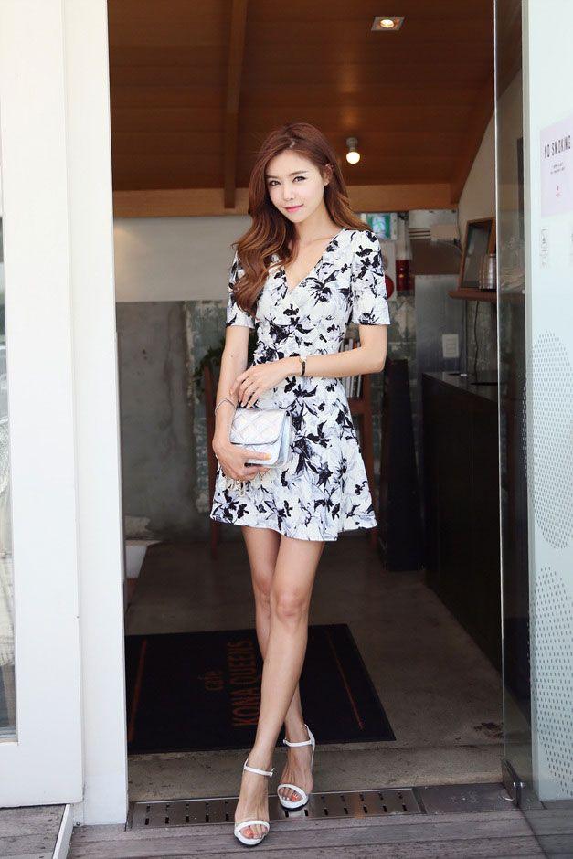Korean Style Fashion Girls Dress Ladies Flare Sleeve Black A-Line Casual Dresses