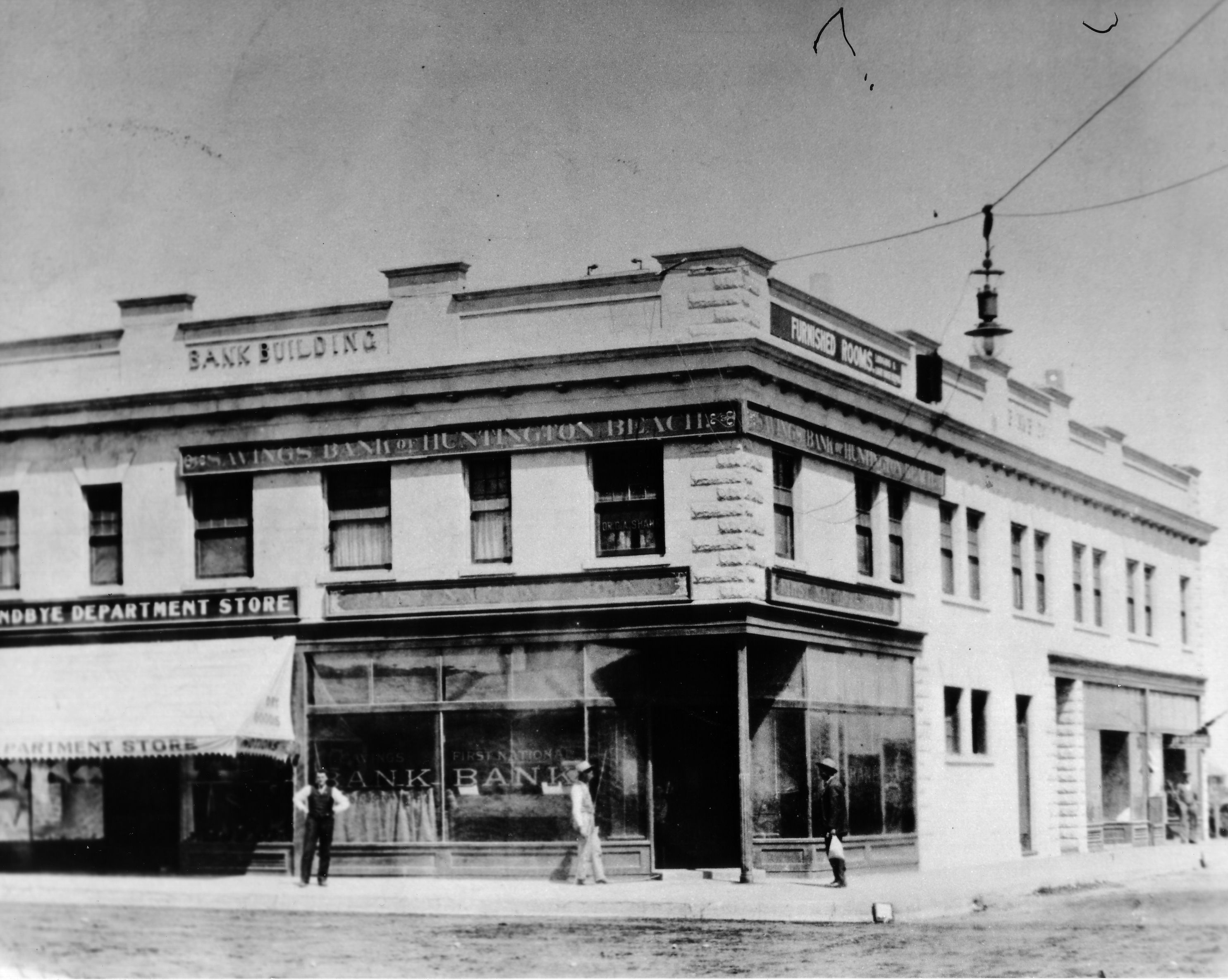 The Huntington Beach Savings Bank Sundbye Department And Furnished Rooms Above Corner Of Main Walnut Streets In