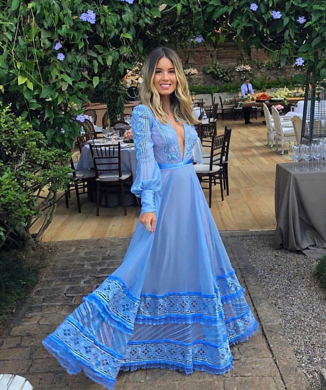 Vestidos azuis para convidadas: 70 modelos e tons para todos