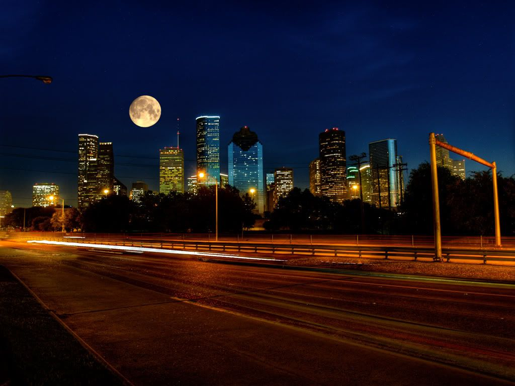 Harvest Moon Over Houston Skyline Houston Skyline Houston Nightlife Houston Texas Skyline