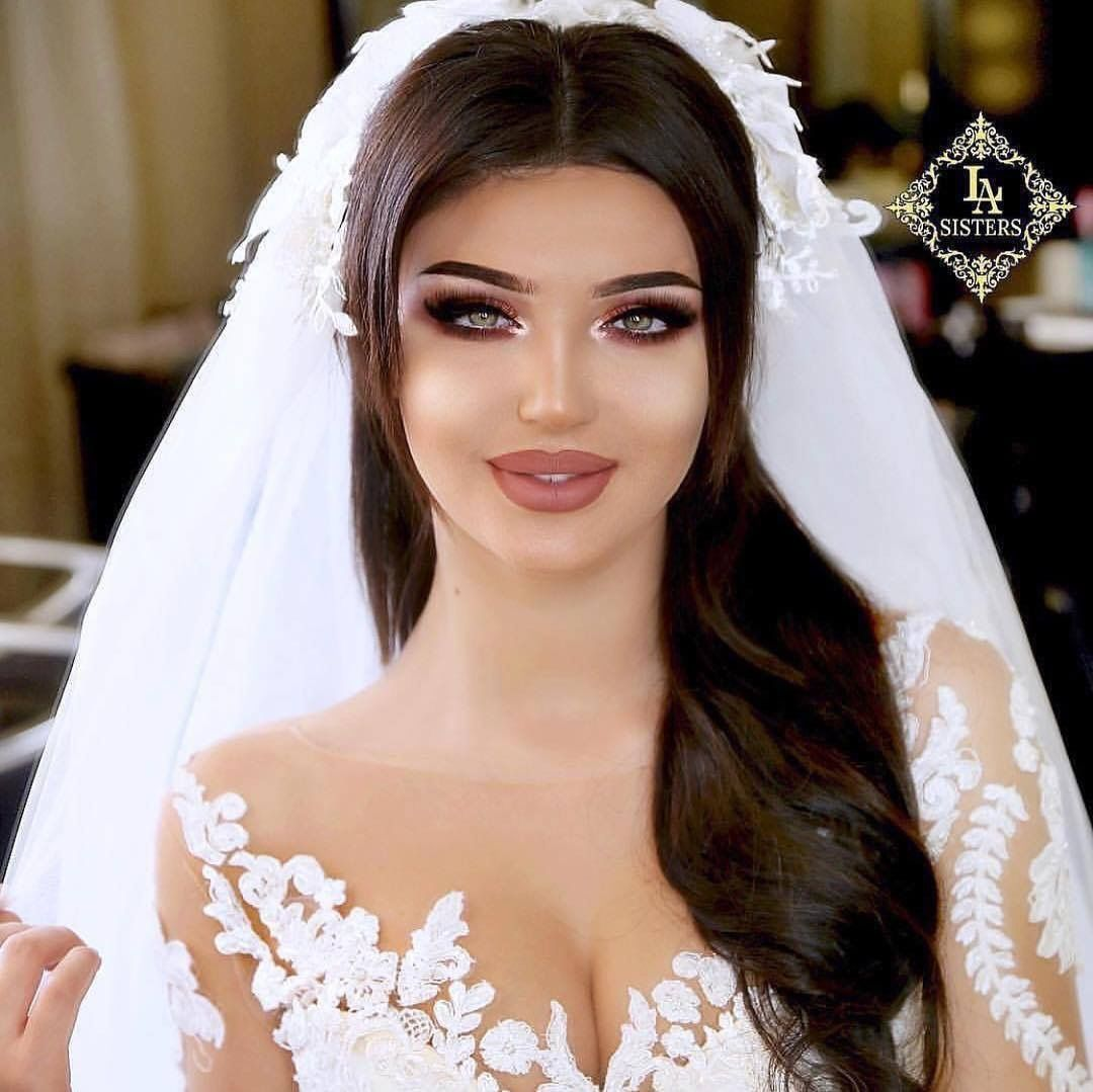 Pin By Cansu Sayar On Wedding Ideas Bridal Hair And Makeup Wedding Hairstyles With Crown Wedding Hairstyles