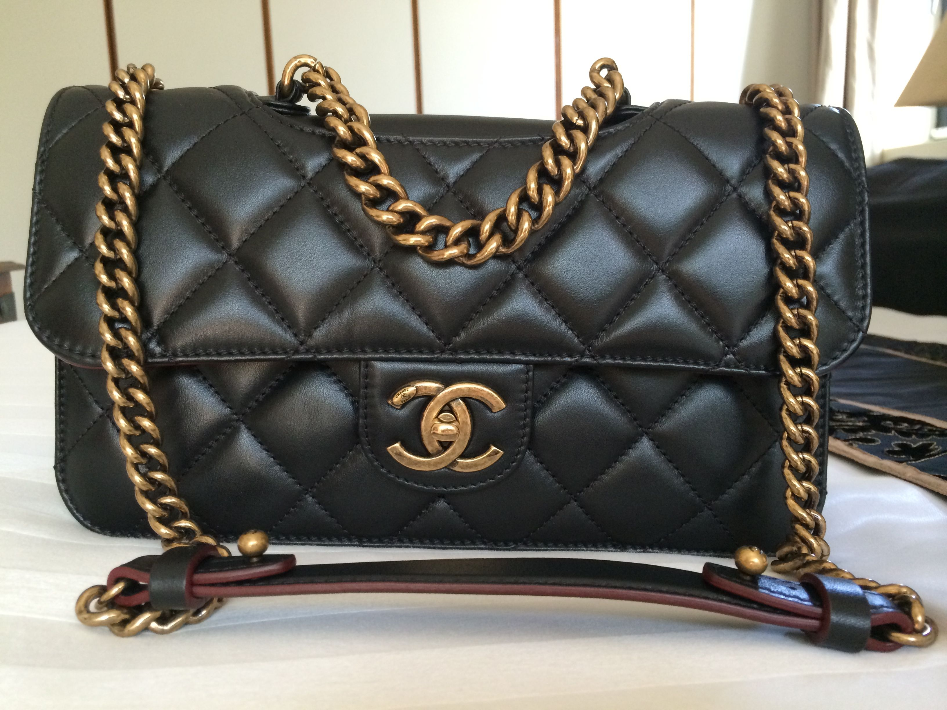 4ea536d119fa Chanel perfect edge bag.