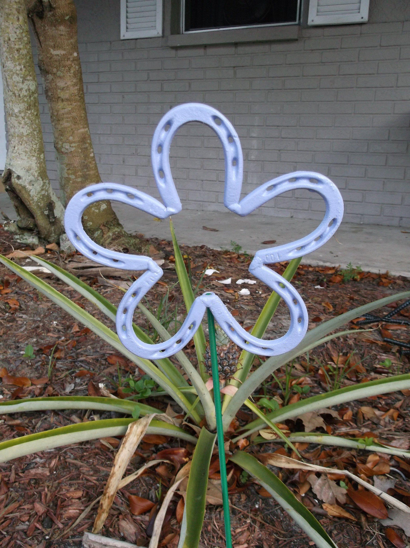 Violet Horseshoe Flower Metal Garden Stake Spring Yard Art