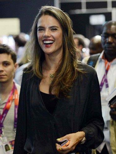 Alessandra Ambrosio (© Jerry Lai-USA TODAY Sports)