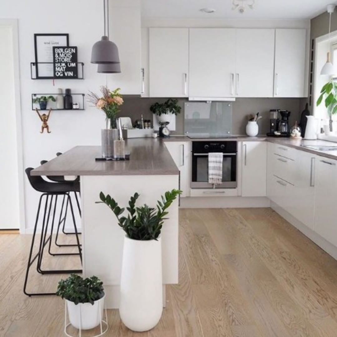 "Photo of Kitchen express su Instagram: ""Beautiful kitchen Credits @happy_habitat #kitchen #kitchenremodel #kitchenware #kitchener #kitchenetle #kitchenaid # kitchenwares …"""