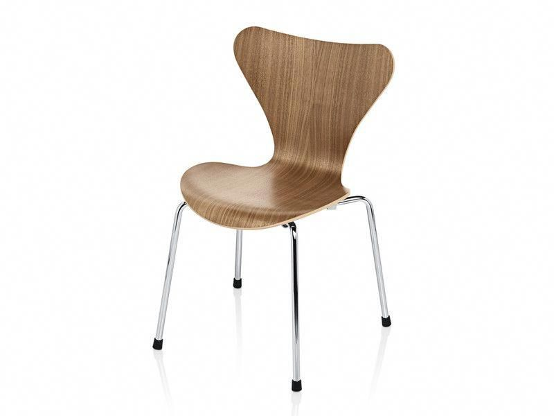 Arne Jacobsen Stoel : This is the childrens version of the classic series 7 chair