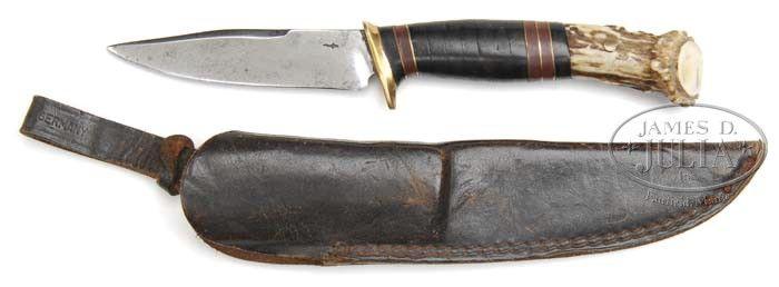 Knife demostrating elemnts of a scagel style knife.