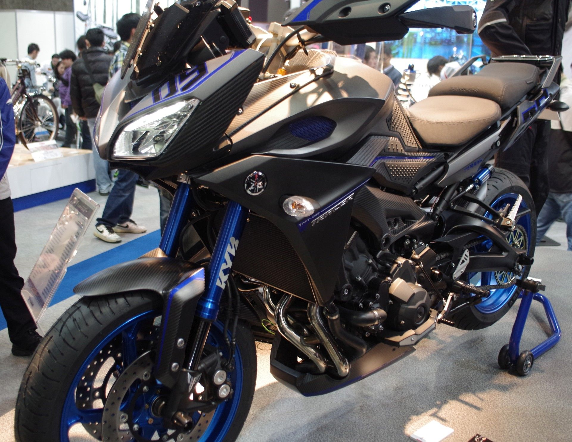yamaha mt 09 tracer cafe racer pinterest yamaha bikes and wheels. Black Bedroom Furniture Sets. Home Design Ideas