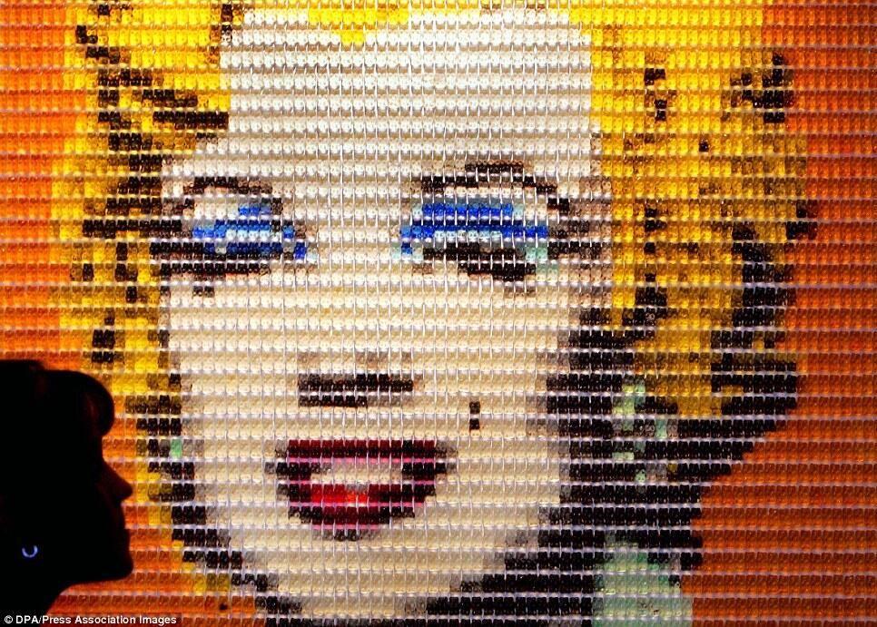 #MarilynMonroe made of #GummyBears!