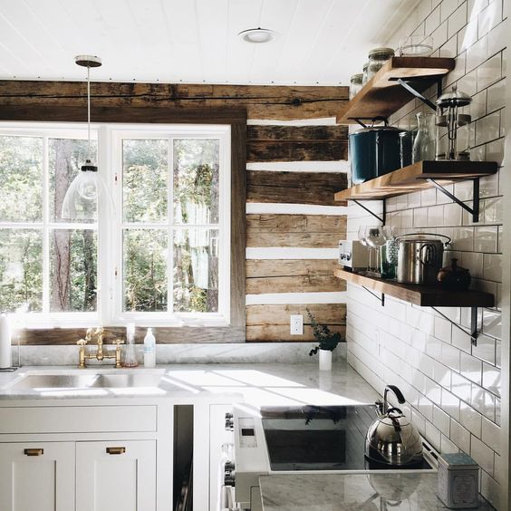 I Seem To Be Drawn Log Cabins Lately Love This Simple Yet Sophisticated Kitchen Via