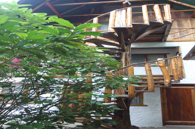 spiral staircase entredosaguas   - Costa Rica
