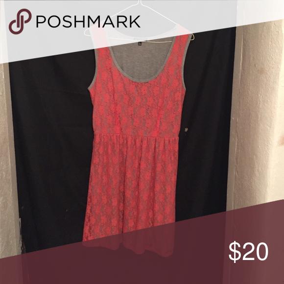 Beautiful lace dress Grey under tone with reddish pinkish lace Dresses Midi