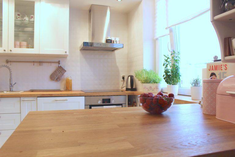 Mala Kuchnia W Bloku Czyli Jak Rozplanowac Mala Kuchnie Kuchnia Smaku Home Decor Breakfast Bar Decor
