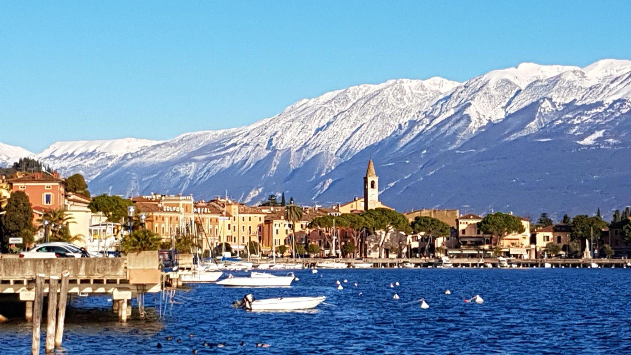Maderno Con Monte Baldo Innevato Gardasee