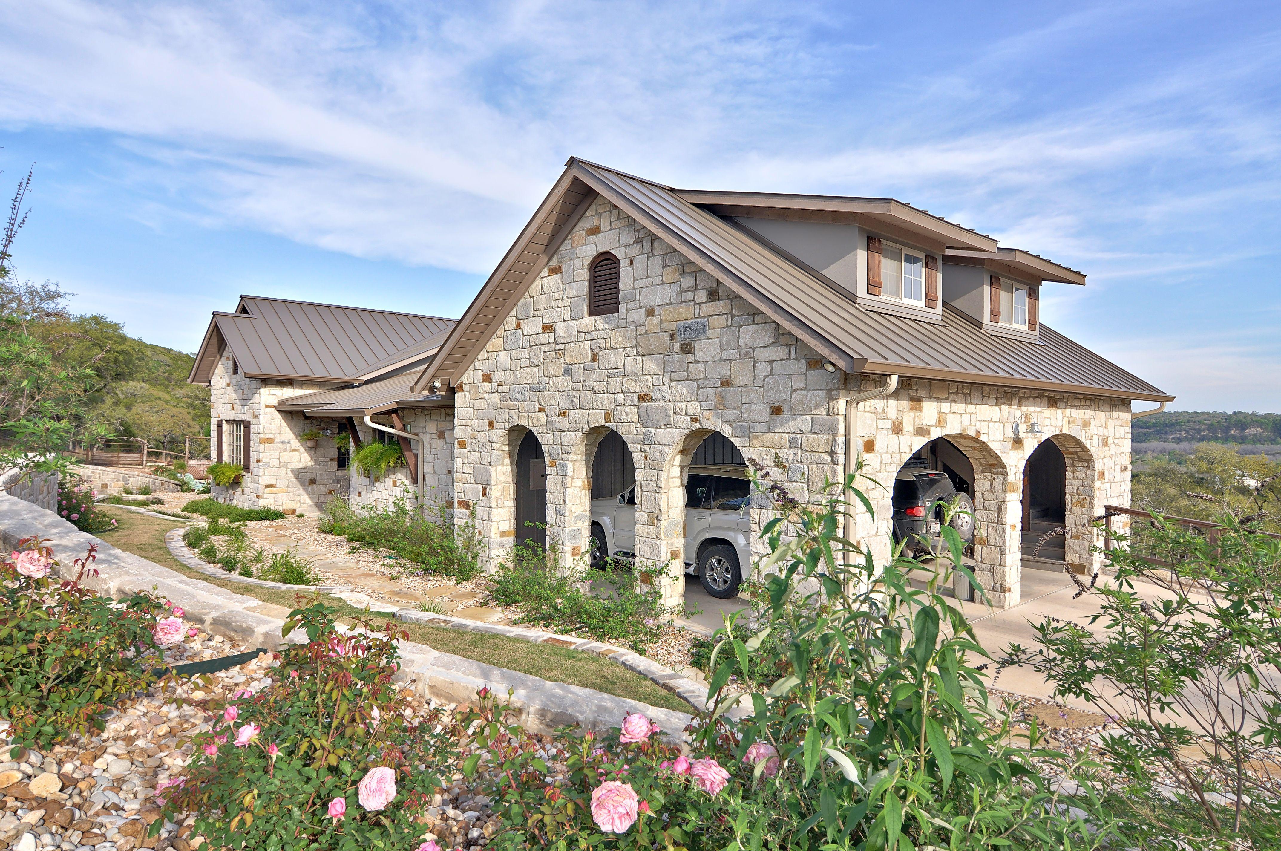 Drexel Metals Medium Bronze Hill County Texas Metal Roof Colors Facade House Roof Colors