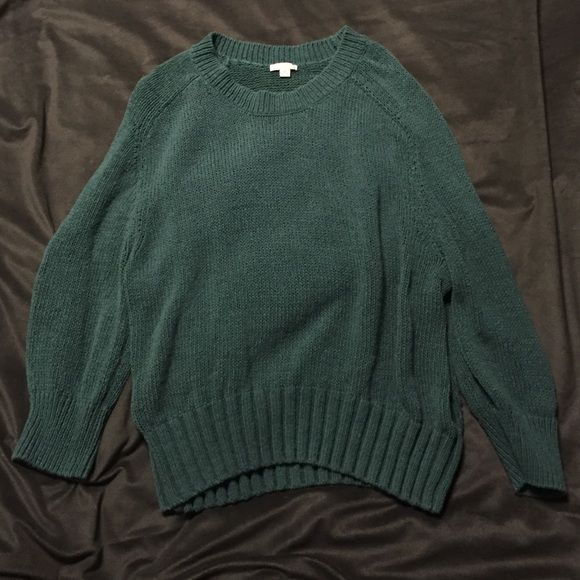 Green sweater Cozy, cute, dark green 3/4 sleeve sweater from Gap. Stretchy material and nice and warm. GAP Sweaters Crew & Scoop Necks