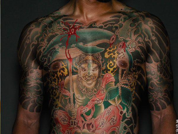 Unbelievable Yakuza Tattoos Ikuzo Tattoos Yakuza Tattoo Body Tattoo Design Full Body Tattoo