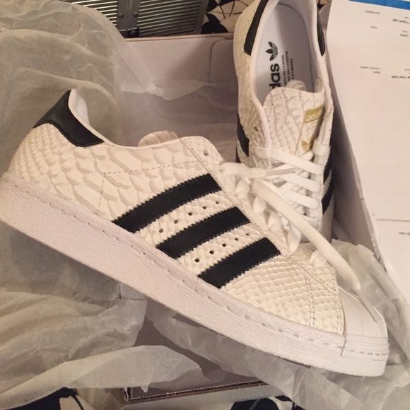 Custom Adidas Superstars Custom done on MiAdidas! White snake skin leather  pattern, stripes are