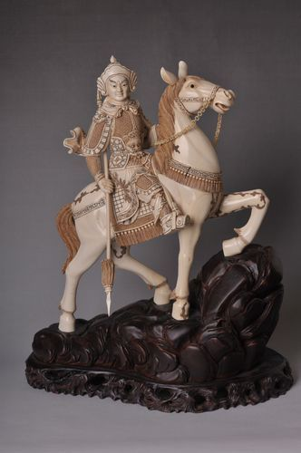 Carved Ox Bone Of A Warrior With A Spear On A Horse On An Antique Teak Wood Base Ebay Carving Warrior Horses
