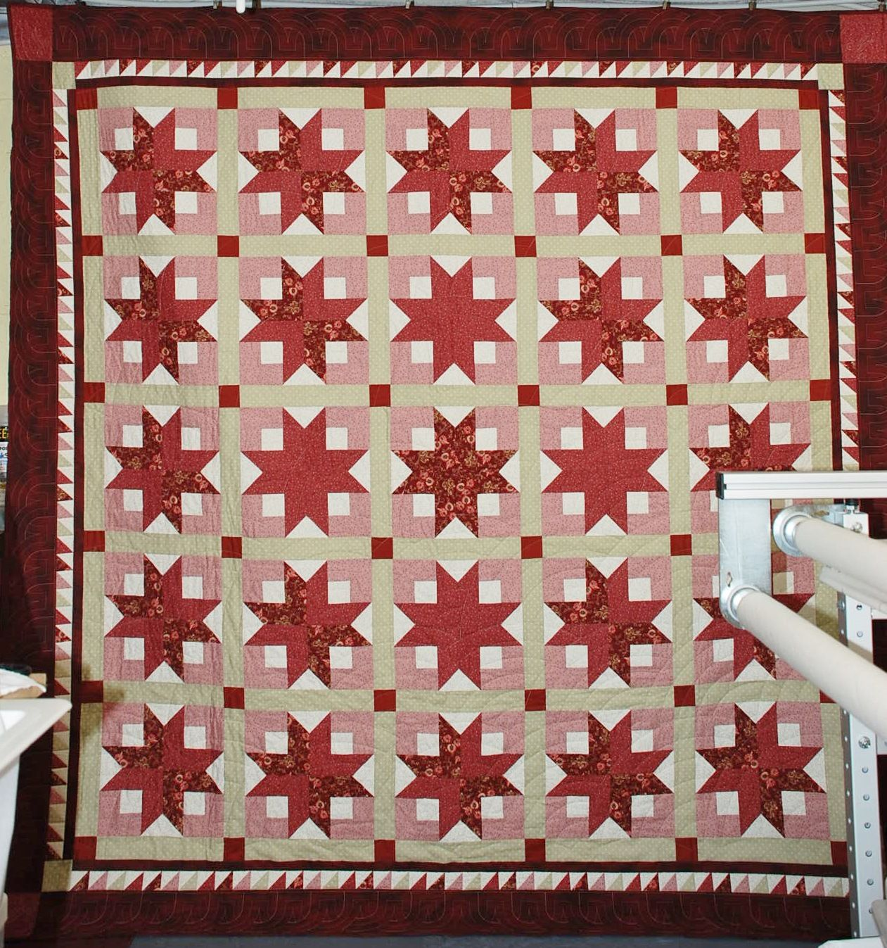 Boxy stars quilt made with 2.5