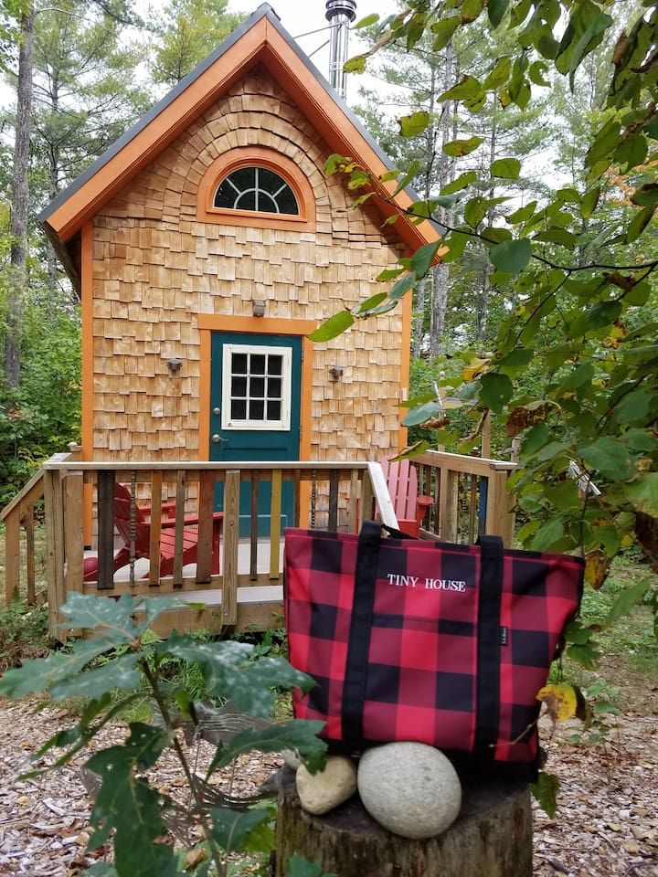 Crooked River Tiny House Houses For Rent In Waterford Tiny Houses For Rent Tiny House Vacation Tiny House