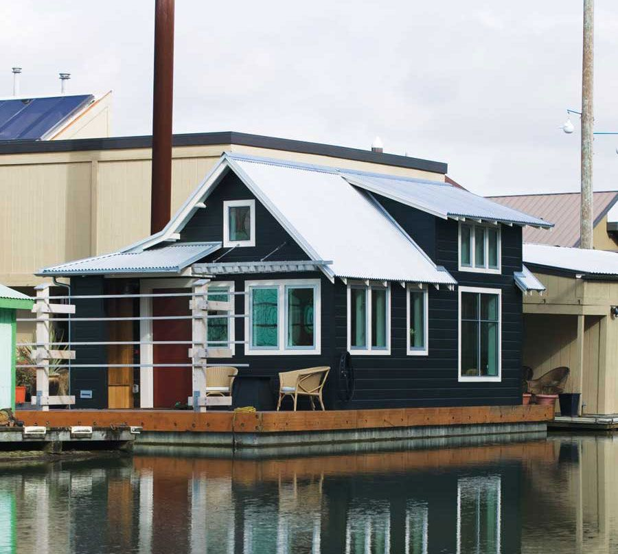 A 433 square foot floating home on the Willamette