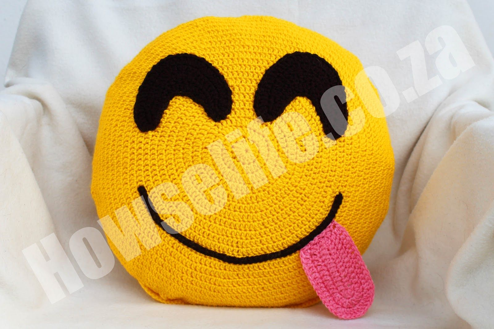 Howse Life: Online Store crochet emoticon/emoji scatter cushion ...
