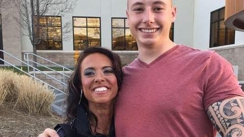Mom Texts Dead Son to Cope with Grief and, to Her Surprise, Gets a Text Back