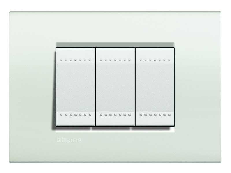 I prodotti di elettronew.com - BTICINO LIVING LIGHT PLACCA 3 MODULI QUADRA LN...