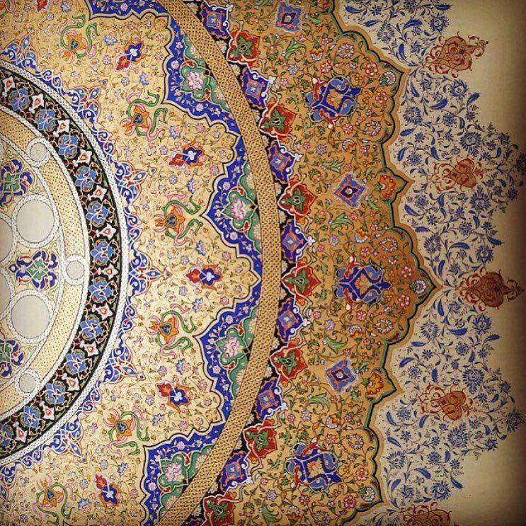 م قرنص On Instagram من السمات الهامة في الزخرفة الإسلامية أنها تكره الفراغ فالعناصر النباتية المجردة تتوالى في Mughal Paintings Islamic Art Drawing Artwork