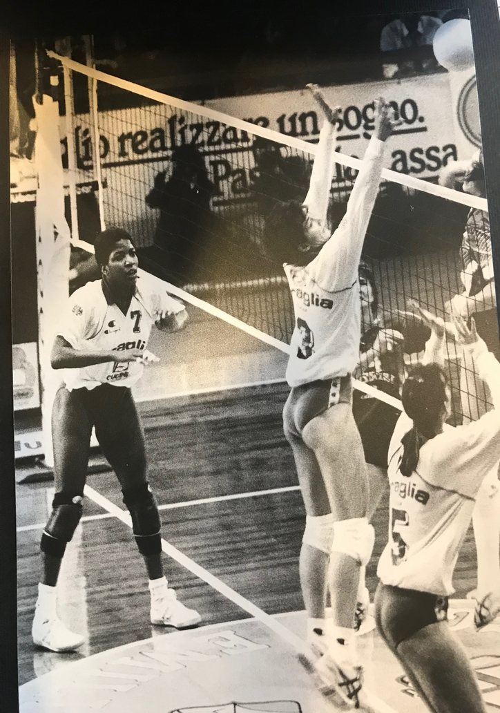 3 Time Olympic Middle Blocker Paula Weishoff World Class Player And I Were Teammates Competing Prof In 2020 Famous Volleyball Players Usa Volleyball Volleyball Skills