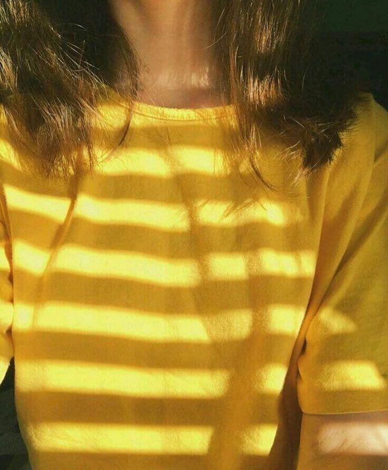 لعشاق اللون الأصفر On Instagram كلمة لي بمناسبة 10k Yellow Aesthetic Yellow Aesthetic Pastel Tumblr Yellow