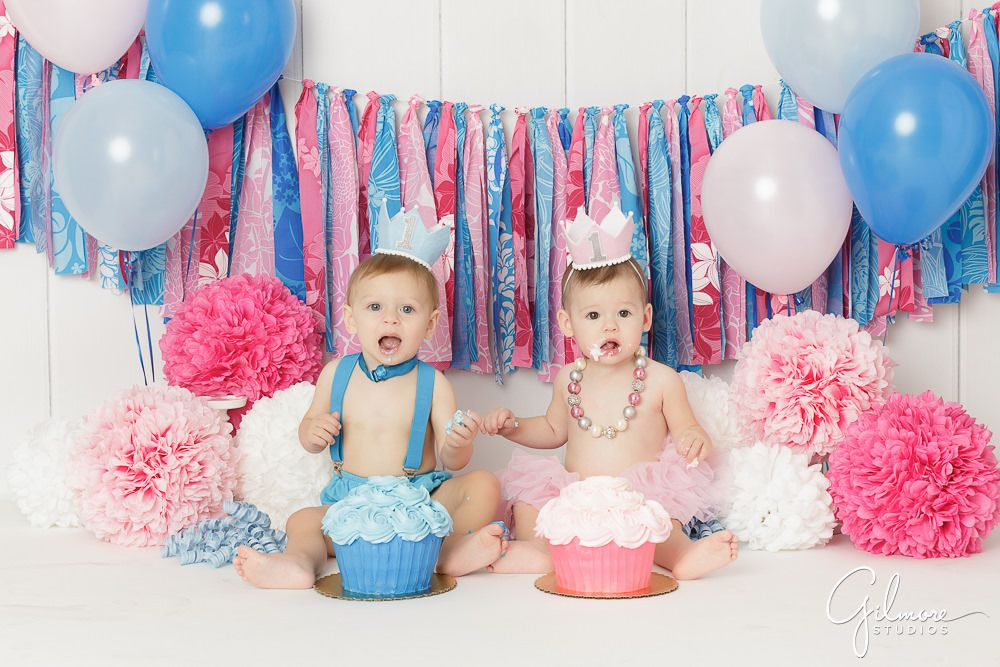 Twins 1st Birthday Cake Smash Session With Images Twins 1st