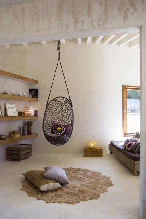Une Maison Naturelle Et Féminine En Espagne  Hanging Chair Cozy New Living Room Hammock Design Decoration