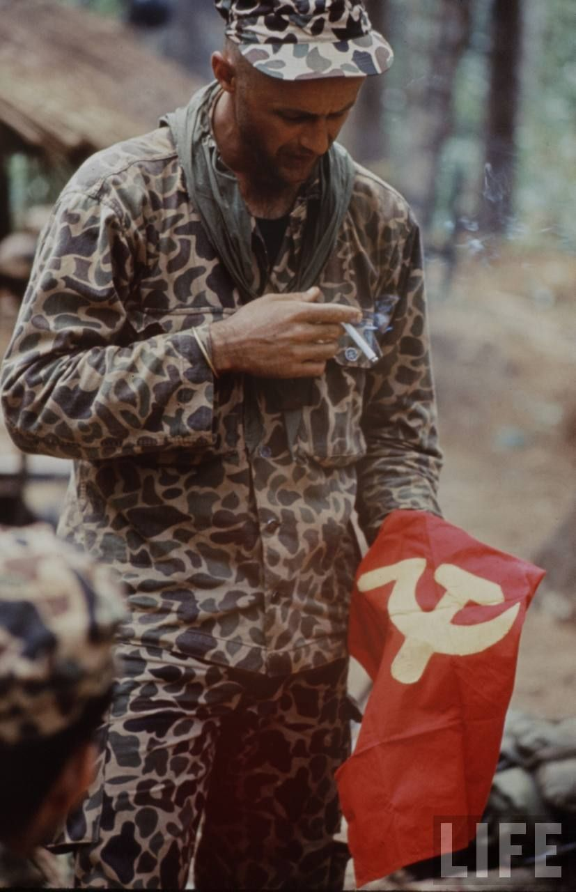2c9434a3c49 early special forces wearing duck hunter camo Vietnam War Photos
