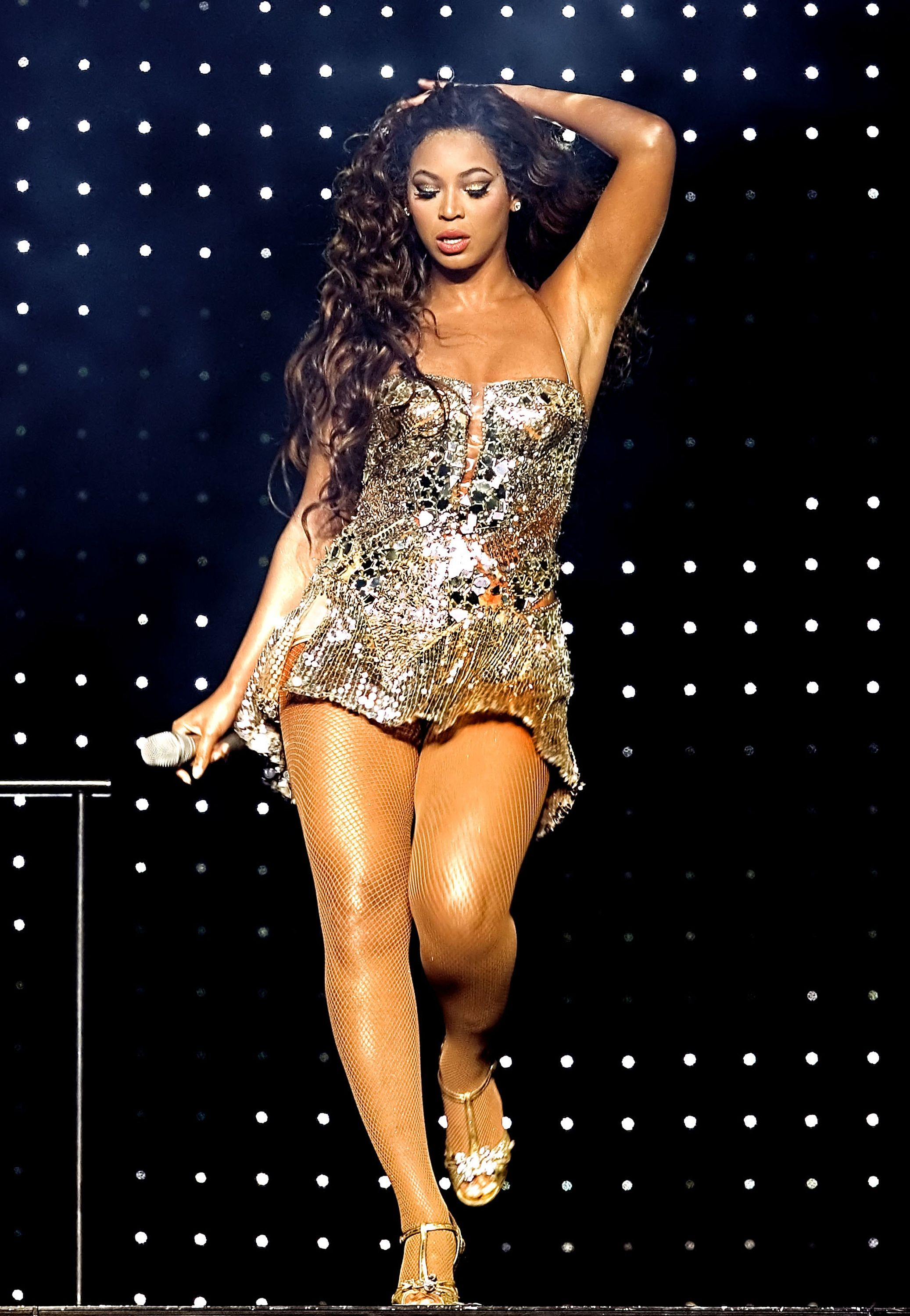 Beyonce stage costume - ideas for Latin dance outfit - salsa ...