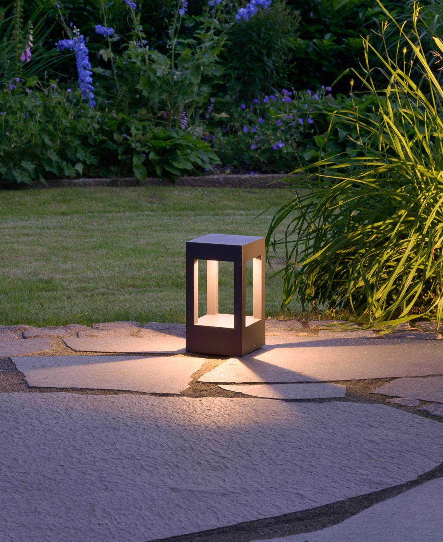 P 039 Abgeblendete Led Poller Und Sockelleuchten Prediger Base Prediger In 2020 Aussenbeleuchtung Garten Beleuchtung Garten Terrassenbeleuchtung