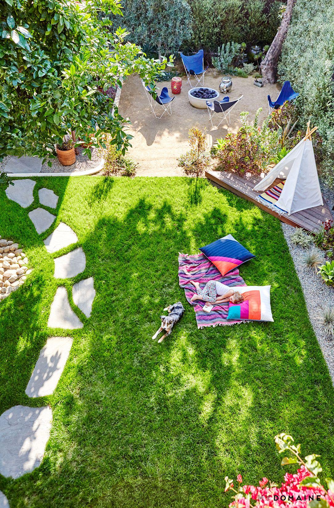 Decor & Trends | Large backyard landscaping, Backyard ...