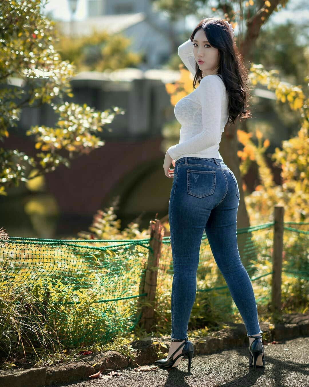 Shaved sexy girl in skinny jeans erotica movies