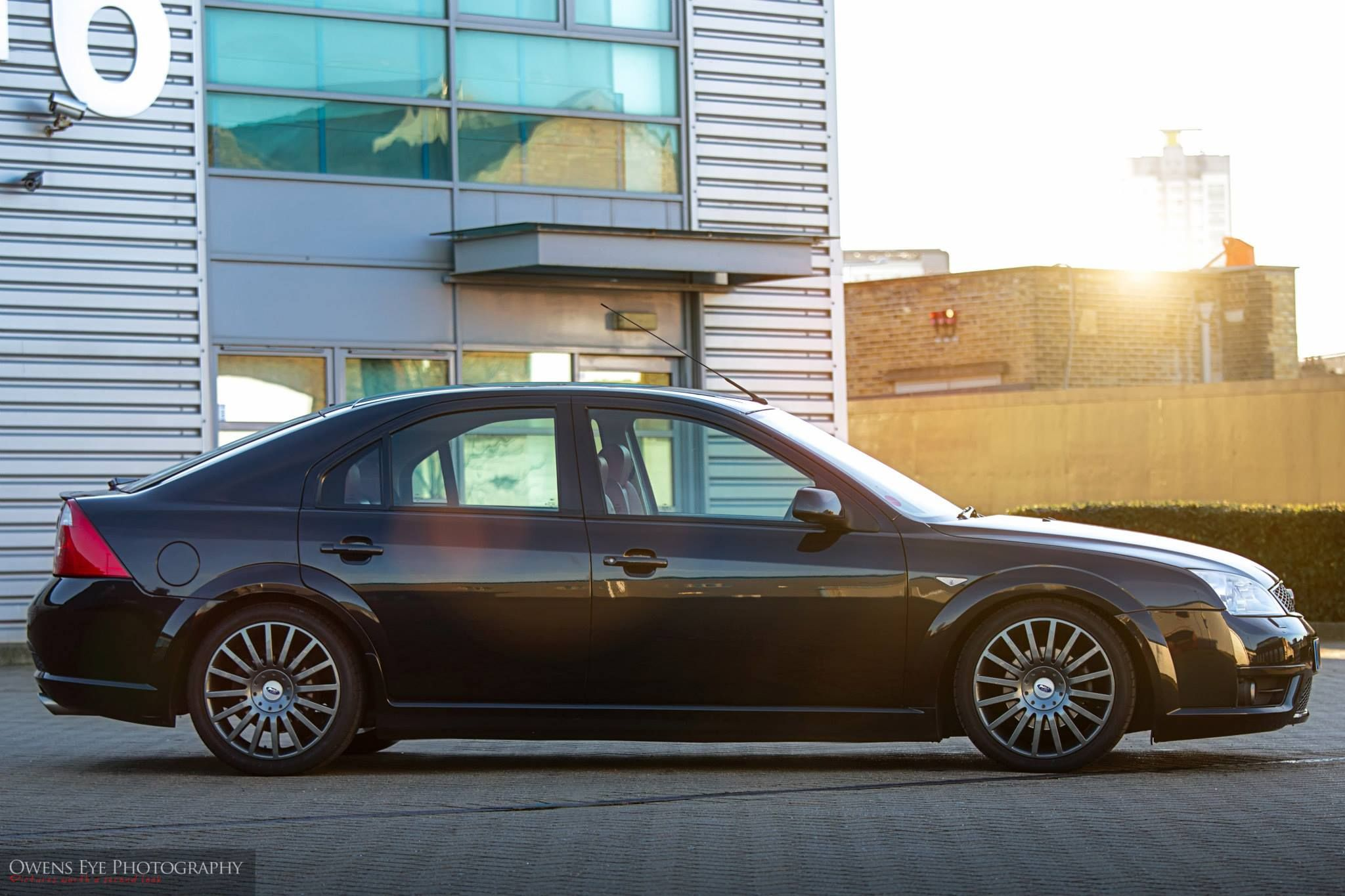 Black Amazing Ford Mondeo Mk3 St220 St Rs 3 0 V6 5 Doors Ford Mondeo Ford Models Ford
