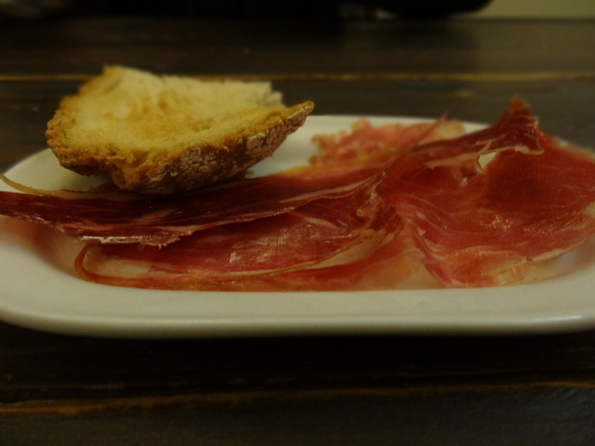 Barcelona. Pa amb tomàquet, bread and ham.