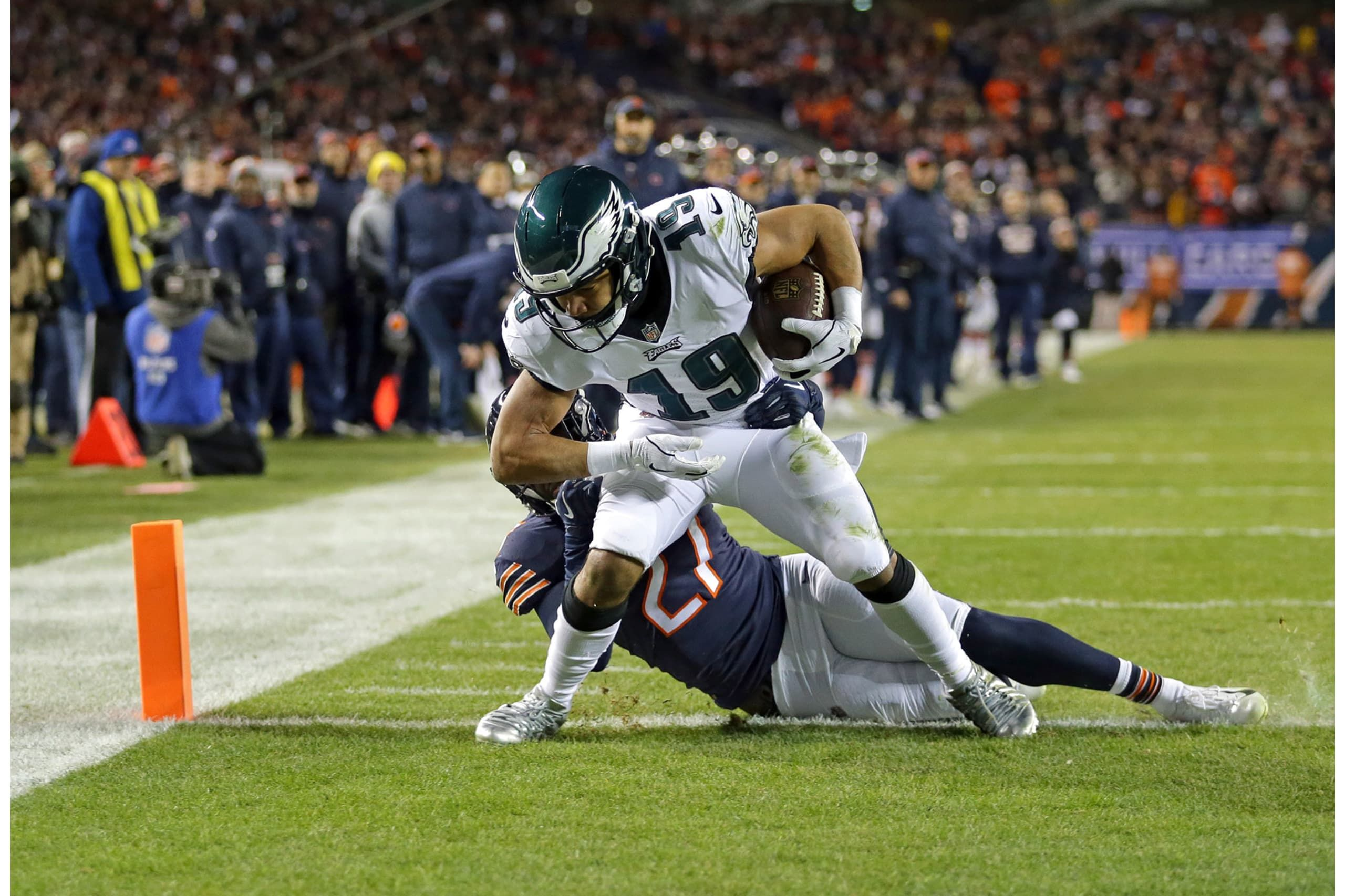 The Body Of Evidence For Nick Foles And His January Magic Continue To Grow As Foles Led A Touchdown Drive In The Final Two Minutes To L Bear Nick Chicago Bears